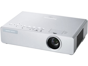 may chieu panasonic pt lb78vea